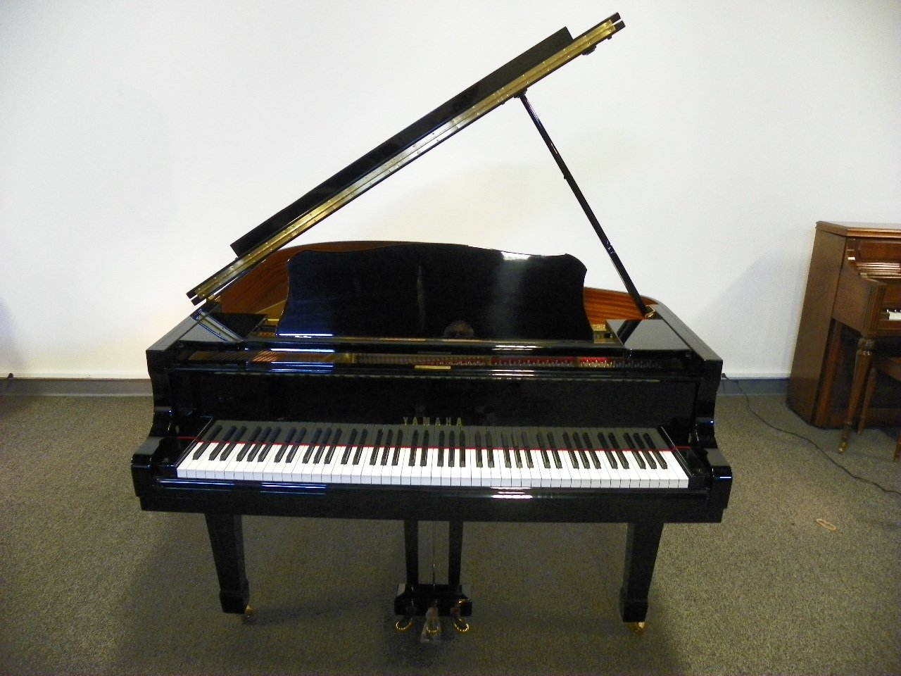 Yamaha piano england piano for Yamaha piano los angeles